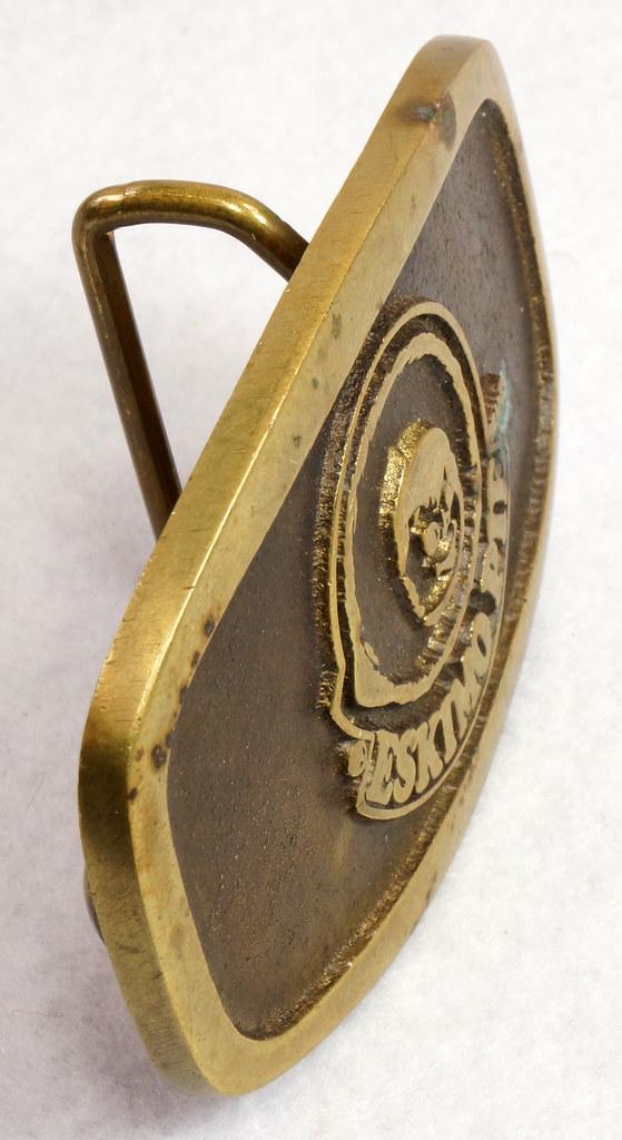 RD15316 Vintage Eskimo Pie Brand Brass Belt Buckle Advertising DSC09225