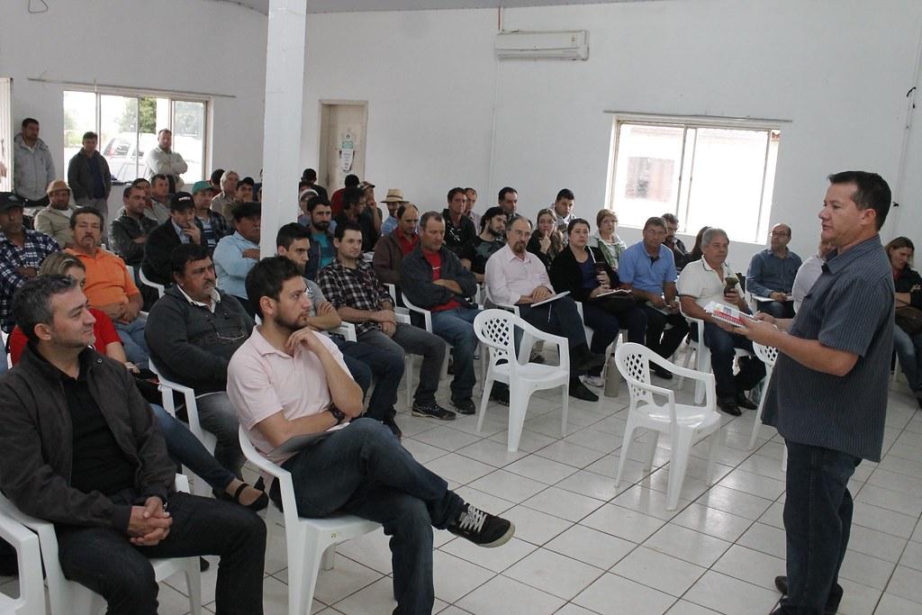 Seminário foi realizado na Cootap, e reuniu cerca de 100 assentados da Reforma Agrária, produtores de arroz agroecológico (1).jpg