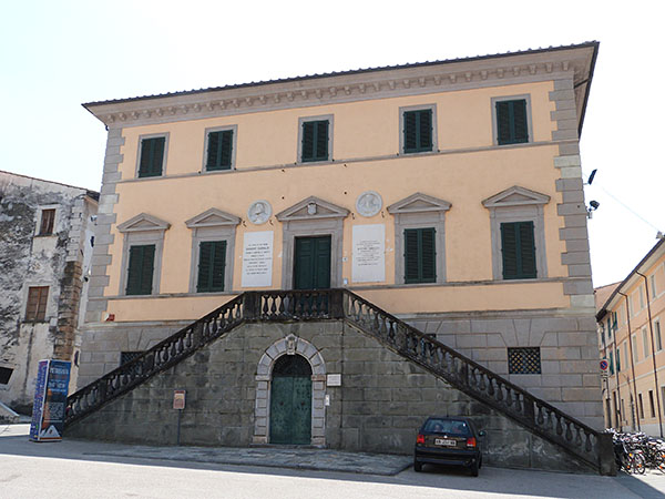 ancien palais pietrasanta