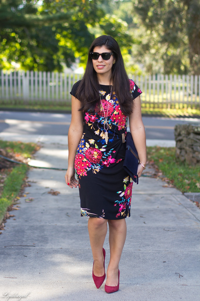 floral print dress, red pumps, clare v clutch-2.jpg
