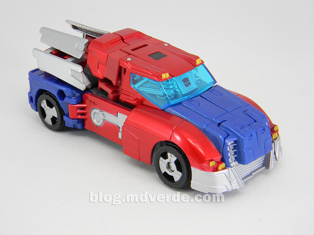 Transformers Orion Pax Deluxe - Generations - modo alterno