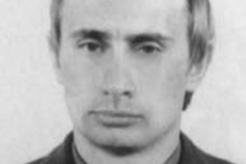151022_RUS_Vladimir_Putin_KGB_officer_large_BW_6x9