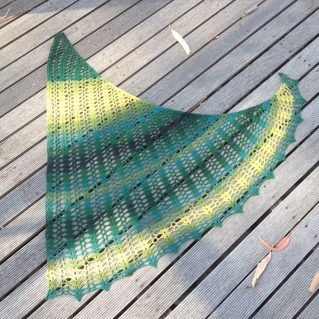 Diagonal Triangle Shawl - Wattle