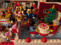 Guest Stars Lego Mickey Mouse and Minnie Mouse