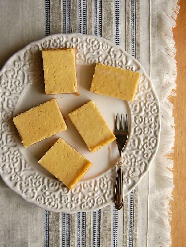 Yogurt lime cheesecake bars / Barrinhas de cheesecake de limão e iogurte