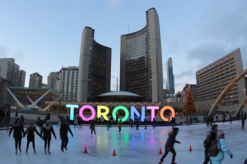 3D TORONTO, large illuminated sign