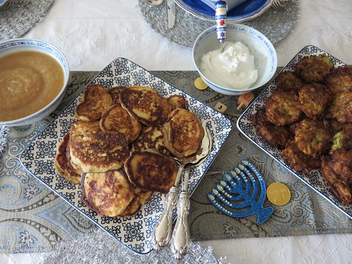 CHEZ SIMONE. BLUE. Latkes - pancakes, apple sauce... Enjoy!