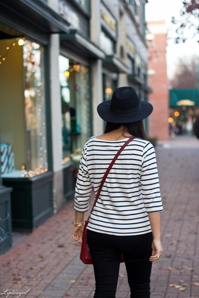 striped shirt, black jeans, leopard pumps, wool fedora.jpg