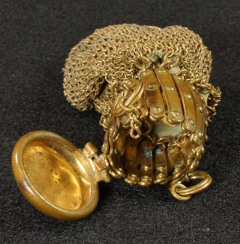 RD9267 Vintage West Germany Brass Expanding Ladies Mesh Link Purse Handbag DSC07889