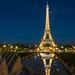 Torre Eiffel - vestida de gala. by Juan Ig. Llana