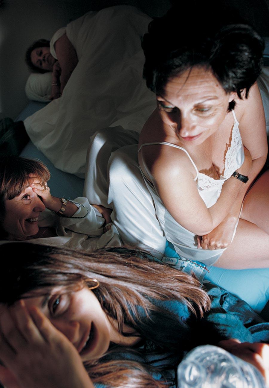 裸體創造出家人間令人震驚的親密感:赤裸並不全然代表色情,也可以是親情54