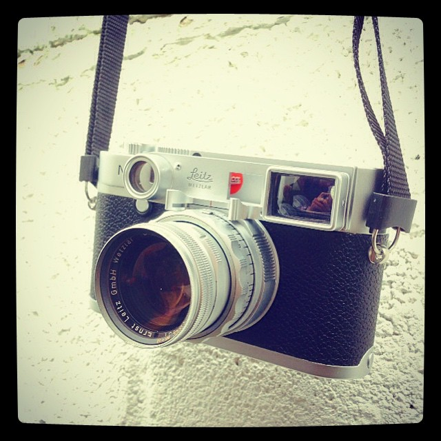 #excited 😁 I just found out that the Leica Summicron 50 DR with its close focus goggles will fit on my Leica M Typ 240! It doesn't fit on a M9 or M8. #result! #leicam #leicam240 #leicacamera #leicacraft #leicasphere #leica #summicron #summicrondr #ra
