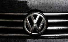 La Holding Volkswagen a picco sui mercati