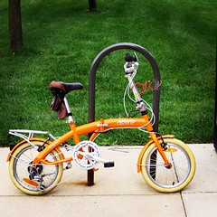 road bicycle, wheel, vehicle, cycle sport, land vehicle, bicycle frame, bicycle,