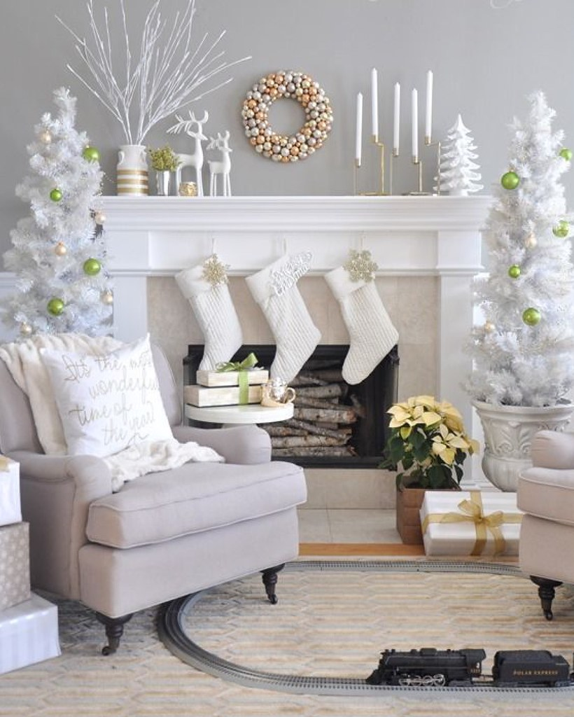 Room for Style : Holiday Decorating in Small Spaces - Living After ...