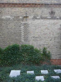 Gräber hinter der Klosterkirche