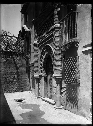 Palacio de Benacazón en Toledo hacia 1920. Fotografía de Enrique Guinea Maquíbar © Archivo Municipal de Vitoria-Gasteiz