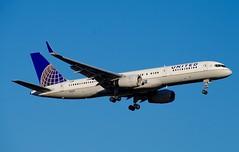 N13138  757-200  United Airlines