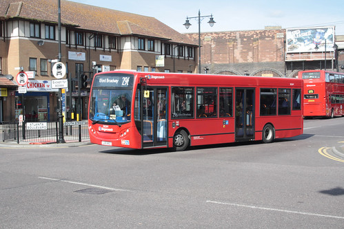 East London 36264 LX11AVU