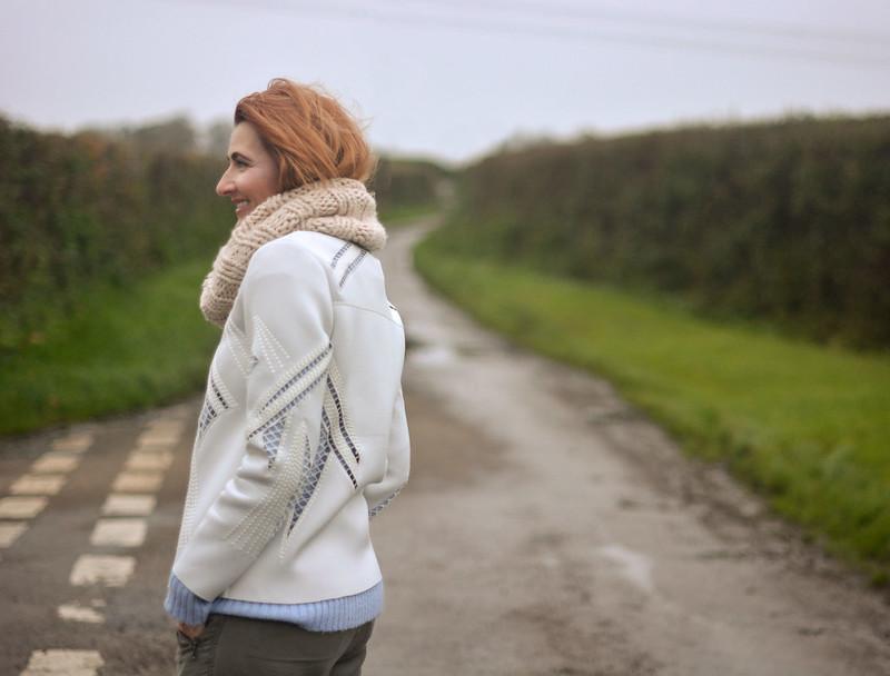 Winter sportswear: Scuba jacket, track pants