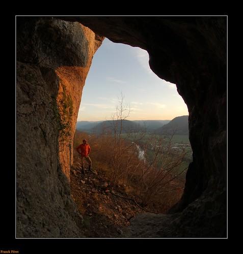 la lumière du soir franchecomté roche doubs monolithe dornans bottine