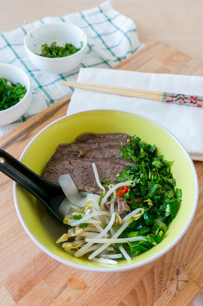 Vietnamese Pho (Beef Noodles Soup)