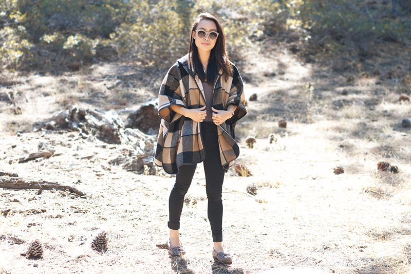 01-plaid-poncho-moccasin-tahoe-travel-style-fashion