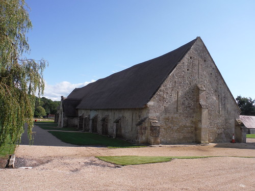 Tithe Barn, Tisbury, heavily buttressed