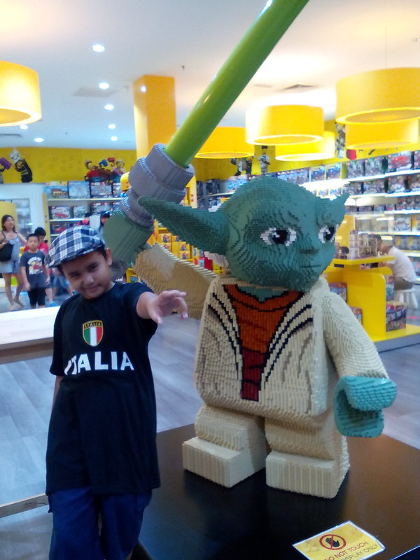 Lego + Star Wars = Amir's Heaven