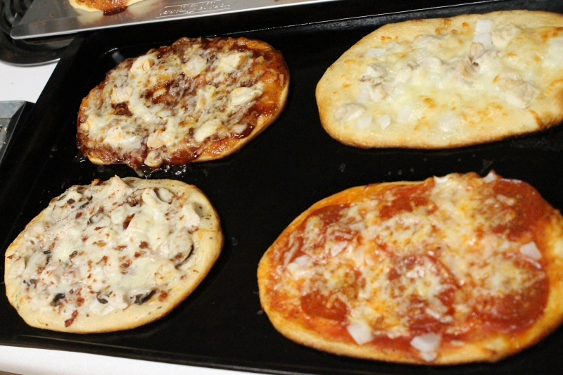 Mini Pizzas, long