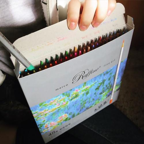 お次は、48色の色鉛筆。
