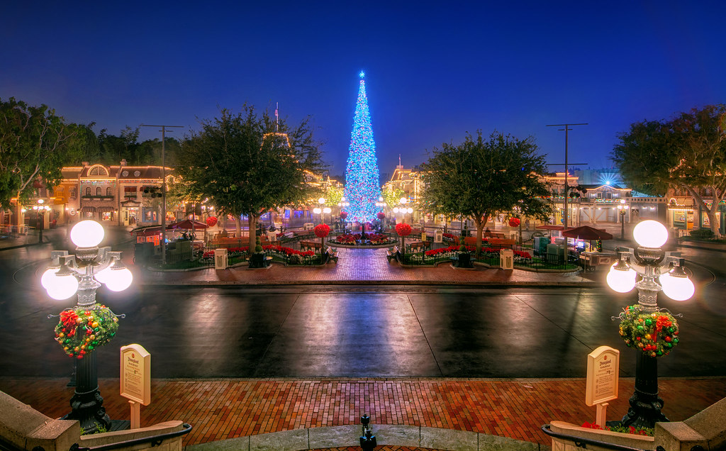 Christmas Comes to Main Street
