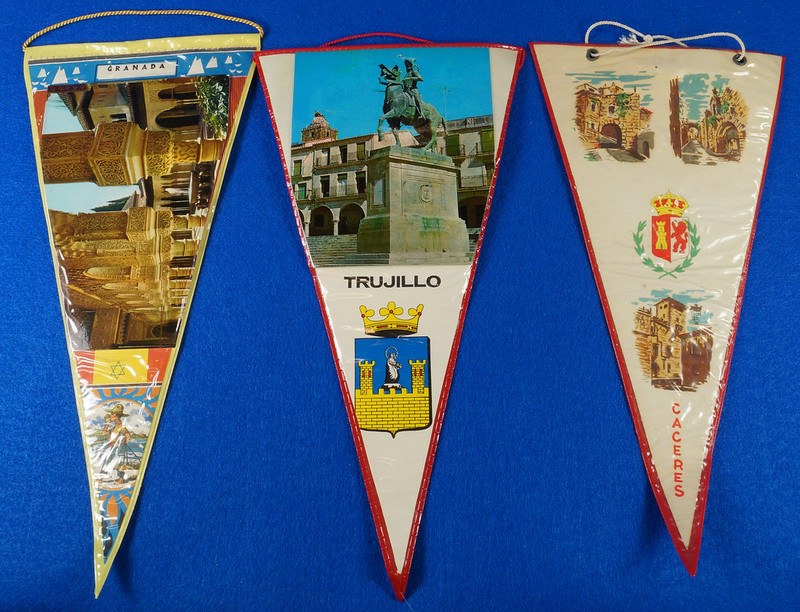 RD15162 Assortment of 10 Travel Pennant Flags From Andalusia, Spain & Vicinity DSC08718