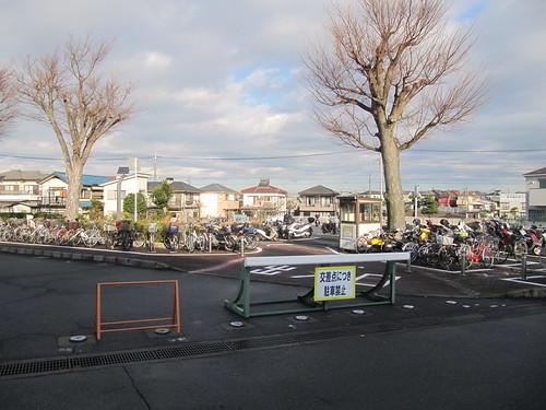 中山競馬場正門近くの駐輪場