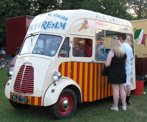 Morris Ice Cream Van