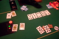 play(0.0), recreation(0.0), poker(1.0), games(1.0), gambling(1.0), card game(1.0),