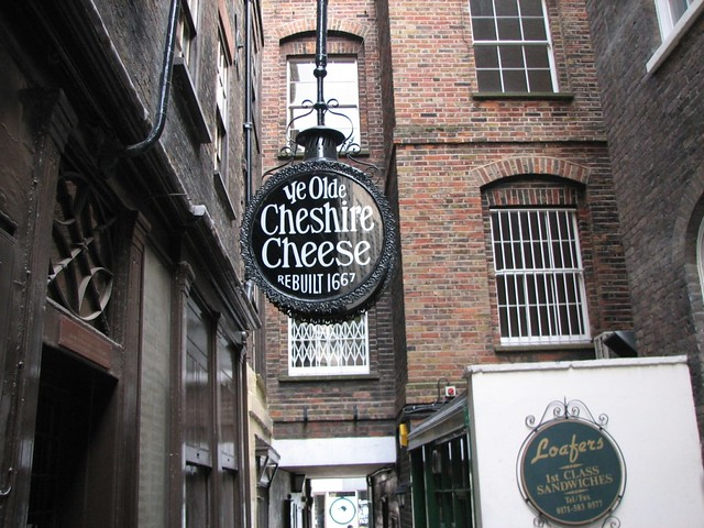 Ye Olde Cheshire Cheese, London