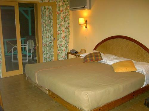 Le Tropical Hotel Nov. 2004