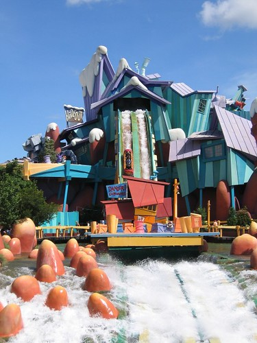 Universal Studios Orlando - Islands of Adventure - Ripsaw Falls coaster