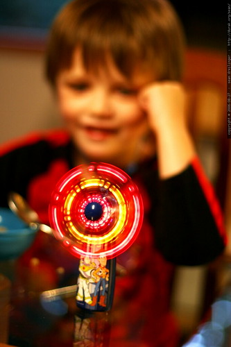 incredible LED toy fan    MG 9840