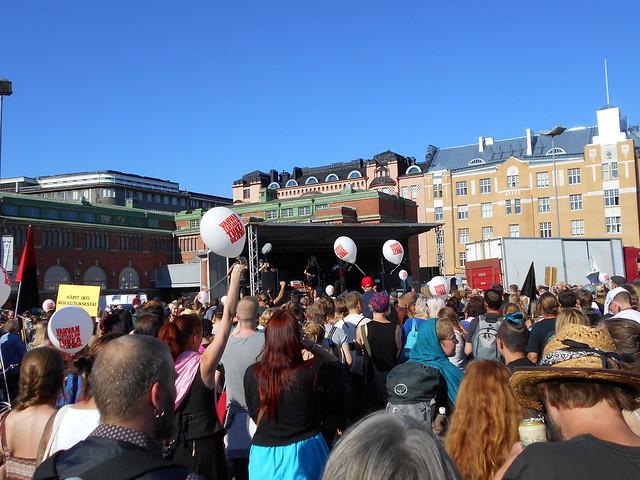 Mielenosoitus Helsingissä hallituksen leikkauspolitiikkaa vastaan 22.8.2015 - 18