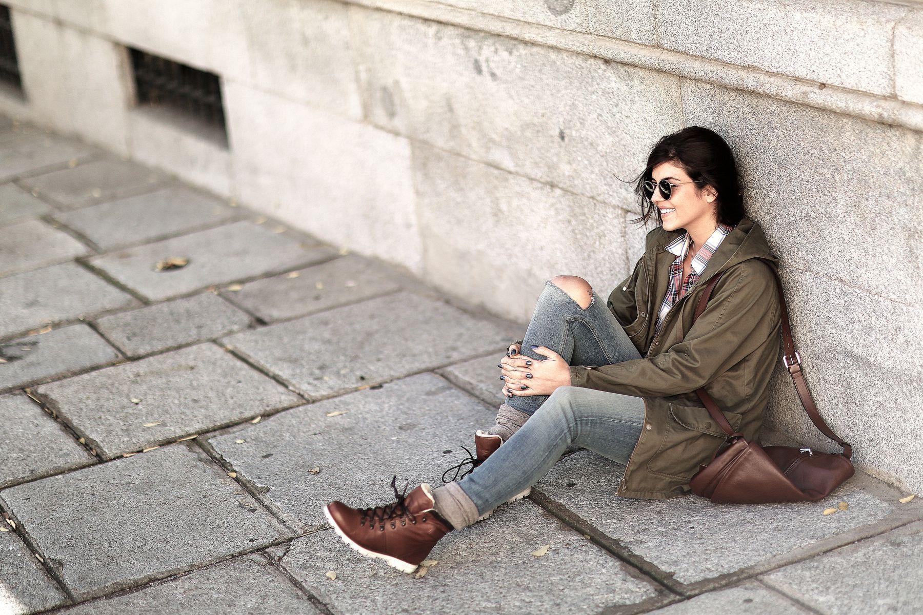 trendy-taste-look-outfit-street-style-trekking-tendencia-botas-parka-camisa-cuadros-plaid-shirt-fall-otoño-4