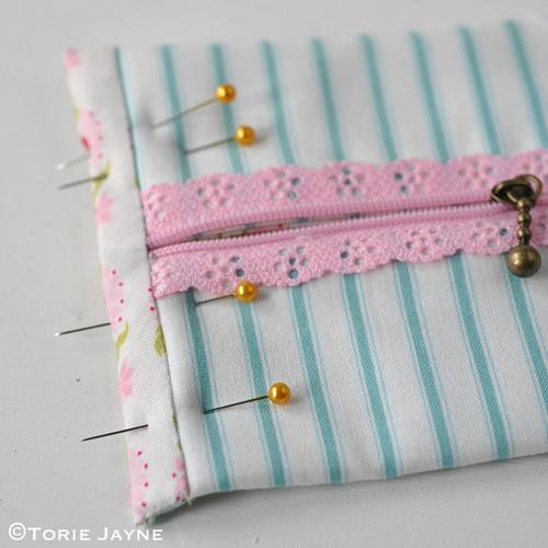 Lace Zip Pretty Pencil Case tutorial 13