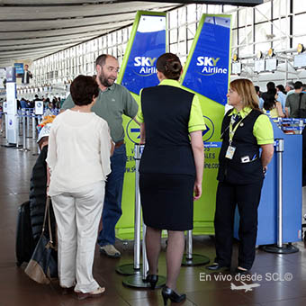 Sky Airline Personal aeropuerto SCL (RD)