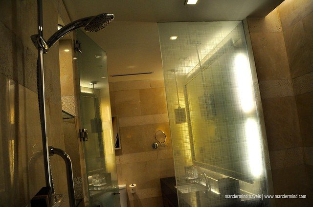 Bathroom at Deluxe Room at Manila Marriott Hotel
