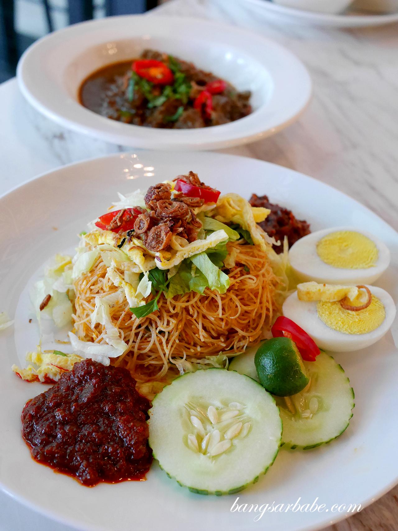 Meehoon Siam with Rendang Kambing