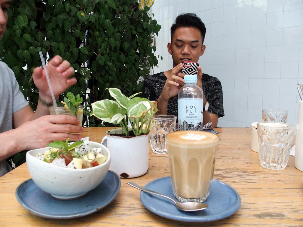 bangkok healthy cafe