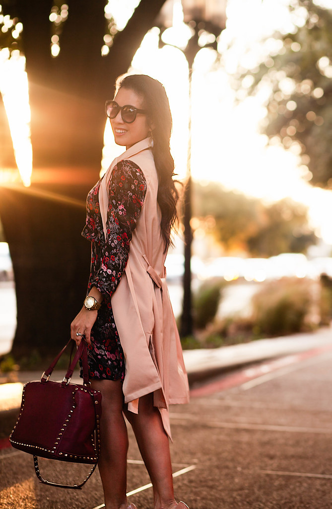cute & little blog | petite fashion | sleeveless trench, wrangler floral dress, studded satchel, nude pumps | fall outfit