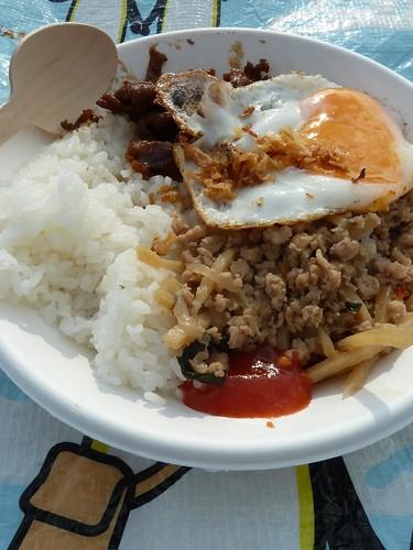 とり肉のバジル炒めとバリ豚ごはん メレルフェス2015