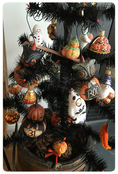 Mary-&-Frank's-Photo-Halloween-Collection-Ornaments